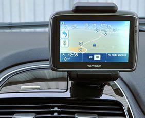 neat and tidy sat nav installation